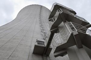Chladící věže jaderných elektráren v Japonsku možná ladem ležet nezůstanou.