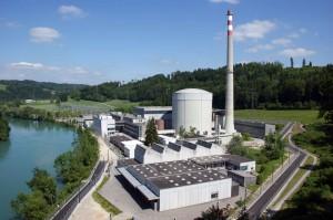 Pohled na jadernou elektrárnu Mühleberg vybavenou jedním varným reaktorem o výkonu 372 MWe. (Zdroj: ensi.ch)