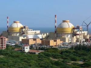 Jaderná elektrárna Kudankulam, jejíž spuštění zdržely protesty protijaderných hnutí. (Zdroj: Thehindu.com)