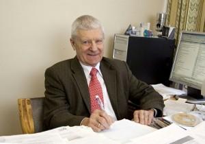 Profesor Georgij Iljič Tošinskij je i ve svých 85 letech stále činným vědcem. (Zdroj: Atominfo.ru)