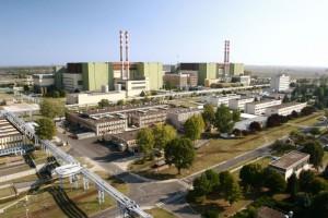 Pohled na jedinou maďarskou jadernou elektrárnou Paks.