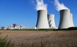 Jaderná elektrárna Temelín. (Zdroj: Rozhledyav.blogspot.com)