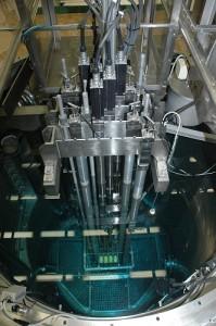 Pohled do aktivní zóny reaktoru VR-1 Vrabec. (Zdroj: Jreichl.com)