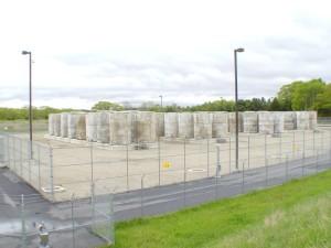 Suchý sklad v areálu jaderné elektrárny Marine Yankee (v angličtině celým názvem Idenpendent Independent Spent Fuel Storage Installation - ISFSI) má rozlohu přes tři hektary a je posledním pozůstatkem po jaderné elektrárně v lokalitě Marine Yankee. (Zdroj: Marineyankee.com)
