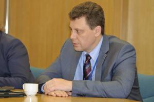 Alexander Tuzov na Mezinárodním strojírenském veletrhu v Brně. (Zdroj: Atominfo.cz)