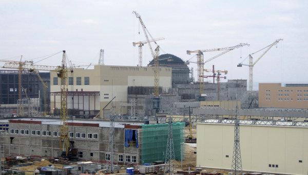 První blok JE Novovoroněž 2 byl uzavřen kupolí