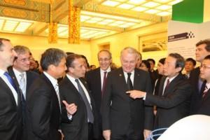 Delegace Francie a Číny si připomínají více než 30 let spolupráce na summitu vPekingu. (Zdroj: World Nuclear News)