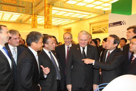Čína a Francie prohlubují spolupráci v oblasti jádra