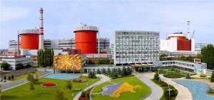 Pohled na všechny tři bloky typu VVER-1000 Jihoukrajinské jaderné elektrárny. (Zdroj: Sunpp.mk.ua)