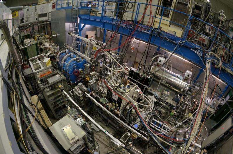 Nový experiment pro výzkum antihmoty vyprodukoval první svazek antivodíku