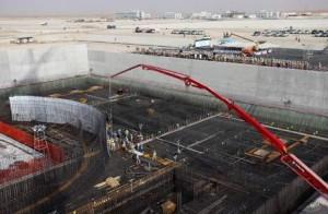 Stavba reaktoru v budoucí elektrárně Barakah nedaleko Abu Dhabi.