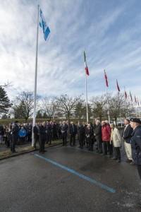 Zástupci Izraele a vedení CERN v aleji vlajek členských států