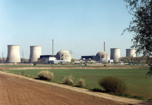 Oba bloky jaderné elektrárny Biblis byly v březnu roku 2011 uzavřeny na základě rozhodnutí kancléřky Angely Merkelové, přestože jim byla prodloužena licence k provozu do roku 2019, resp. 2021. (Zdroj: Kernenergie.de)