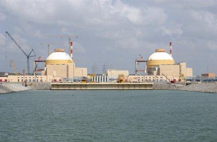 V indickém státě Tamilnádu byl 21. října 2013 připojen k síti první blok jaderné elektrárny Kudankulam s ruským reaktorem VVER generace 3+. (Zdroj: Mmspektrum.com)