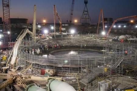 Odlévání betonových základů pro třetí blok jaderné elektrárny V. C. Summer bylo dokončeno v listopadu 2013. (Zdroj: World Nuclear News)