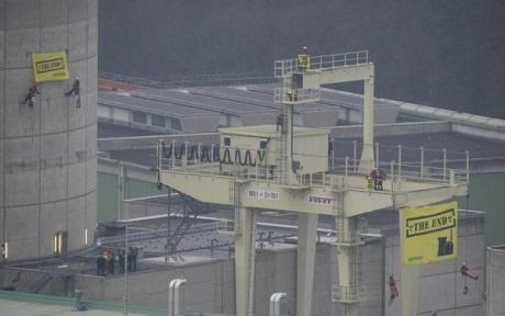 Aktivisté se zaměřili na několik nejstarších evropských jaderných elektráren