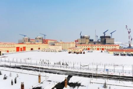 Nedávná podoba čtyř bloků elektrárny Hongyanhe, dva už jsou v provozu.