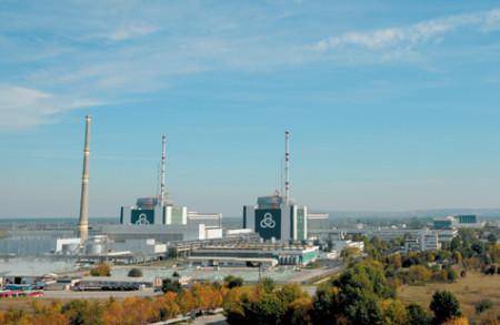 Pohled na dva nejnovější bloky jaderné elektrárny Kozloduj. (Zdroj: Kznpp.org)