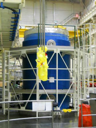 Připravený kontejner Castor na použité jaderné palivo. (Zdroj: Atominfo.cz)