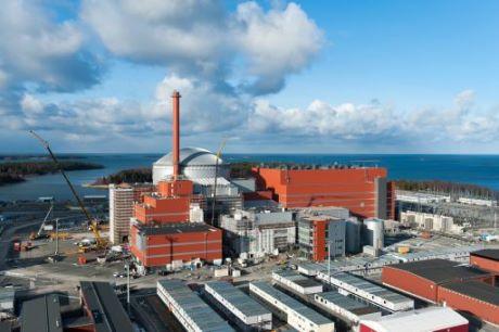 Pokrok na finském Olkiluotu: Úřady pro jaderný dozor schválily řídicí systémy bloku