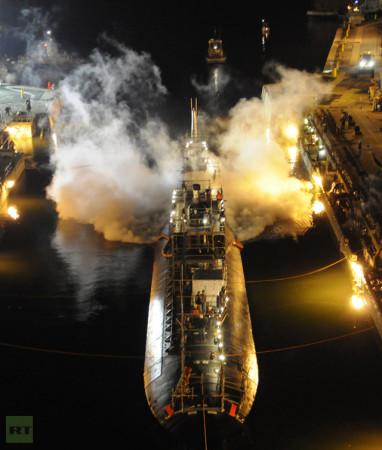 Požár na jaderné ponorce SSN-755 napáchal škody za 400 milionů dolarů (zhruba 8 miliard korun) na samotné ponorce a dalších 40 milionů dolarů (zhruba 800 milionů korun) představují škody na loděnici a jejím zařízení. (Zdroj: Rt.com)