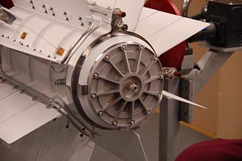Radioizotopový termoelektrický generátor na palubě vozítka Curiosity. (Zdroj: Inl.gov)