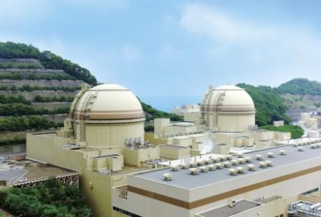 Třetí a čtvrtý blok jaderné elektrárny Ohi s tlakovodními reaktory, každý o výkonu 1180 MWe, pocházejícími z devadesátých let minulého století. (Zdroj: World Nuclear News)