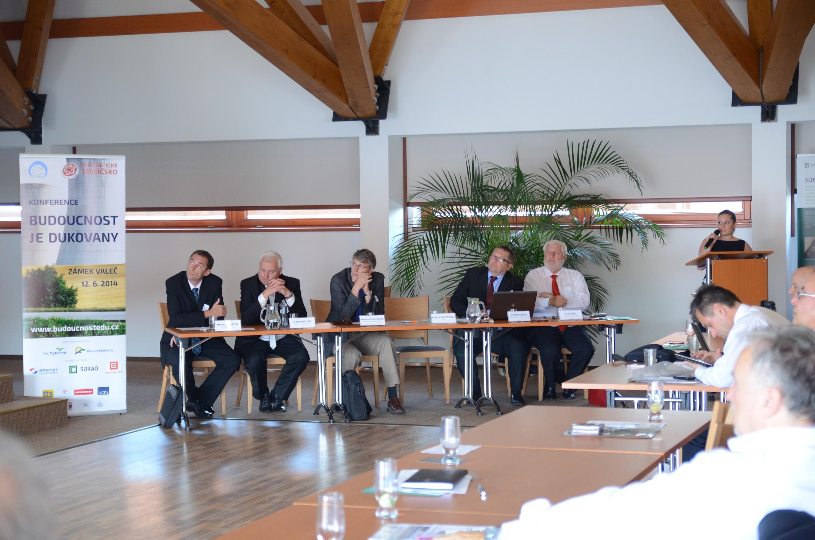 Zpráva zkonference Budoucnost JE Dukovany je jasná: Obyvatelé Vysočiny dostavbu elektrárny chtějí!