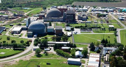 Nový jaderný reaktor dodává elektřinu do argentinské sítě