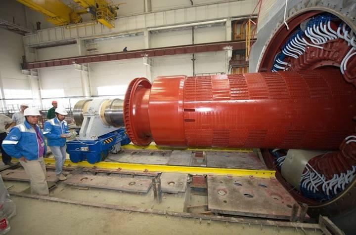 Fotografie: Unikátní procedura byla použita při montáži turbosoustrojí třetího bloku Rostovské JE