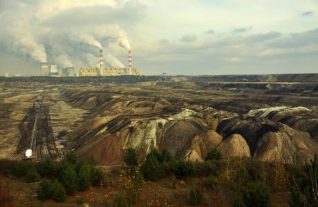 Polské emise CO2 mají snížit jaderné elektrárny a OZE