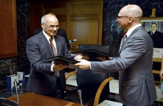 Outsidermedia: Rusko-alžírská dohoda o jaderném programu je pro Francii nepříjemnou zprávou