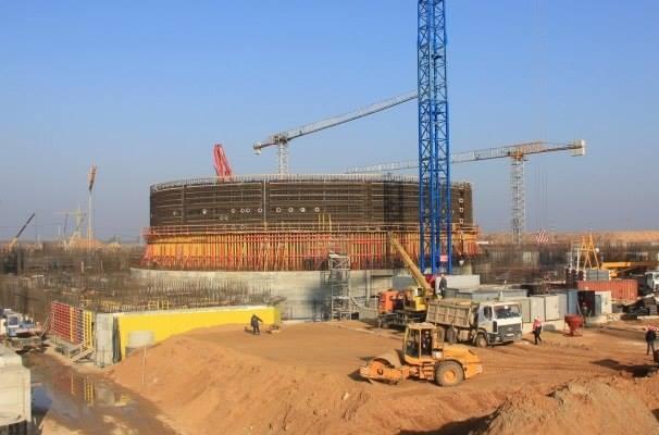 Bylo zahájeno betonování kontejnmentu prvního bloku Běloruské JE