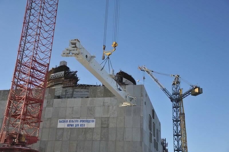 Na čtvrtém bloku Rostovské jaderné elektrárny proběhla montáž polárního jeřábu