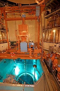 Začalo zakládání paliva do druhého bloku jaderné elektrárny Fang-ťia-šan