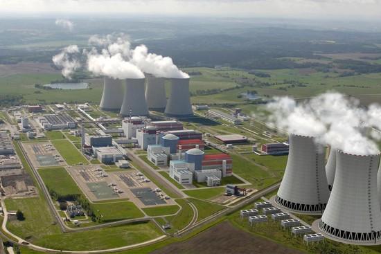 Francie se chce ucházet o rozšiřování jaderných elektráren v ČR