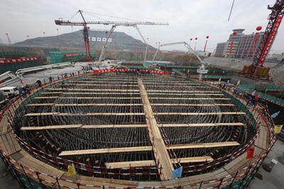 Čína sloučí dvě velké firmy z oblasti jaderné energie