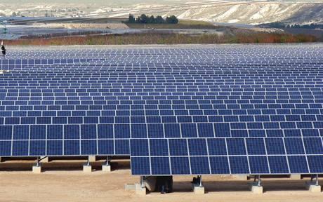 Němci s obavami sledovali, co s energetickou soustavou udělá zatmění Slunce
