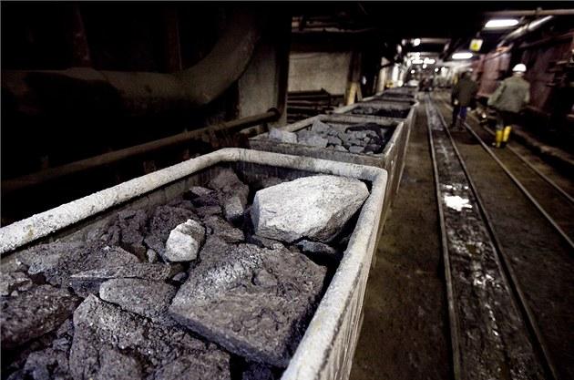 Prezident Zeman souhlasí se stavbou jaderných elektráren i s využitím zásob uranu