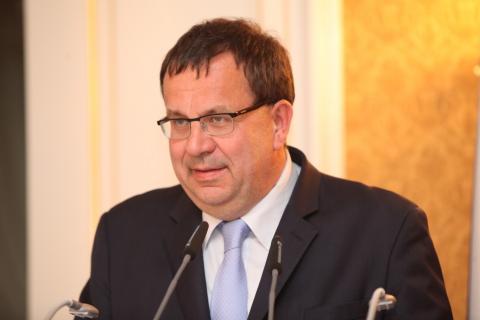Vládní projednání akčního plánu rozvoje jaderné energetiky bylo odloženo
