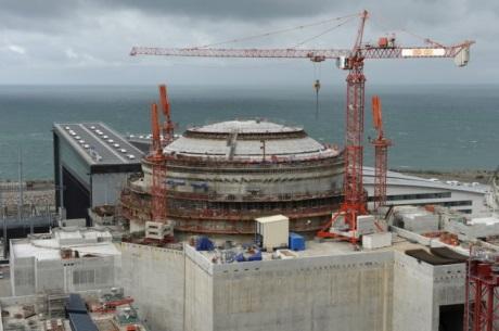 Stavba JE Flamanville pokračuje během testování reaktorové nádoby