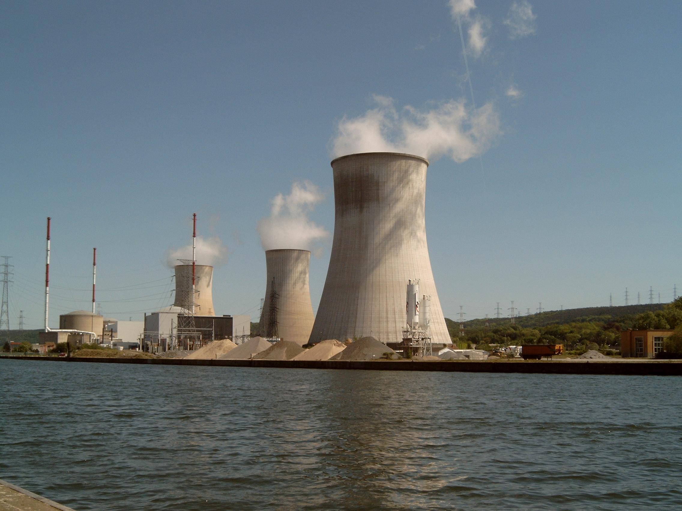 Skupina expertů projednává výsledky testů belgických reaktorů