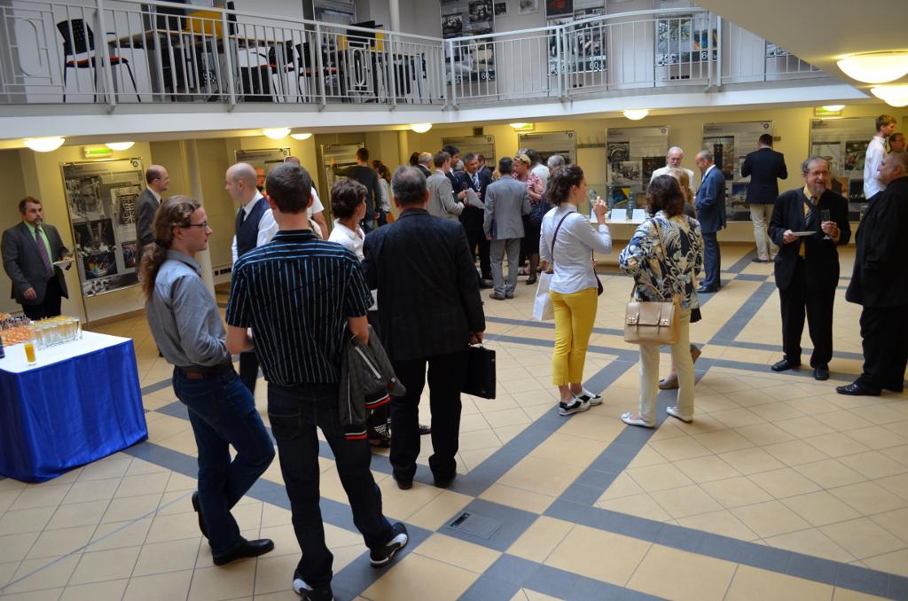 Na ČVUT byla za podpory Rosatomu otevřena výstava u příležitosti 60. výročí mírového využívání jádra vČeskoslovensku
