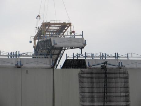 Na prvním bloku jaderné elektrárny Fukušima Dajiči začaly práce na odstranění krytu