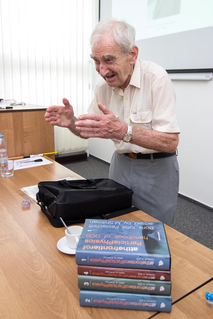 Významný ruský jaderný fyzik Joffe přednášel v Řeži