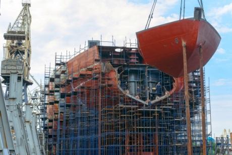 Rusko postupuje se stavbou jaderného ledoborce Arktika