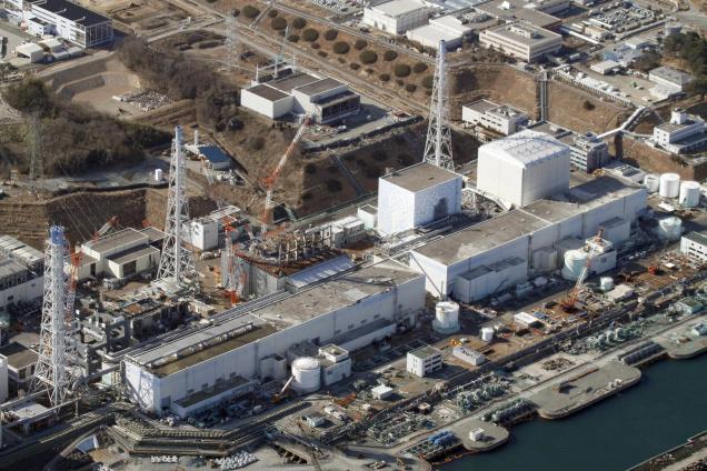 Pracovníci odstranili zavážecí stroj z havarovaného bloku jaderné elektrárny Fukušima Dajiči