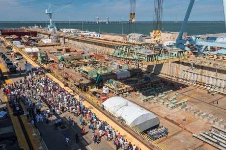 Začala stavba nové americké jaderné letadlové lodě