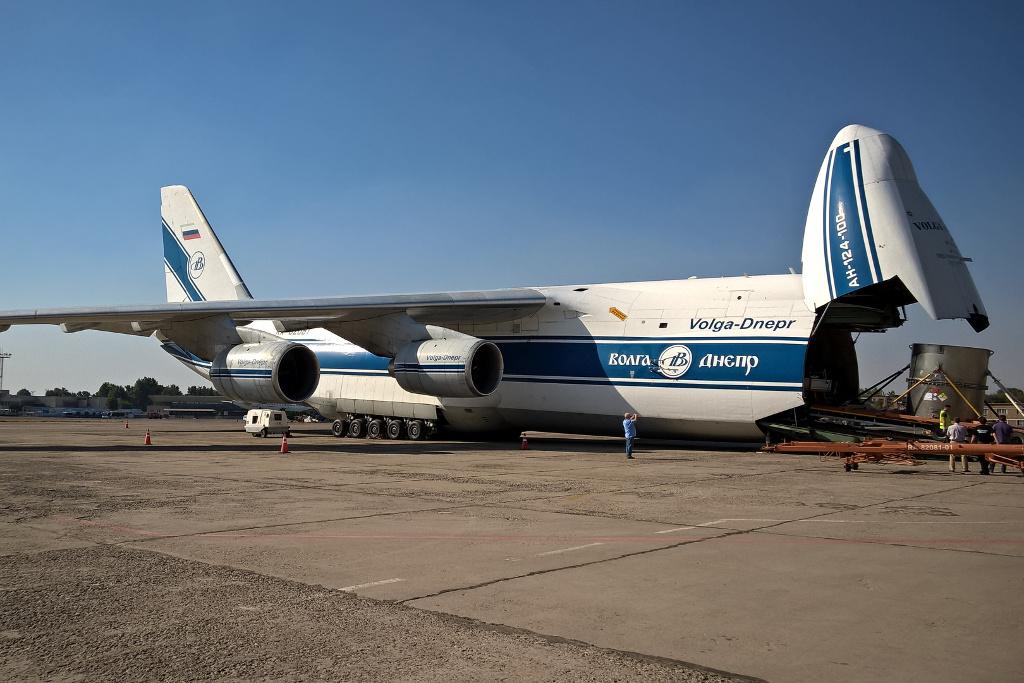 Čeští odborníci odvezli jaderné palivo z Uzbekistánu