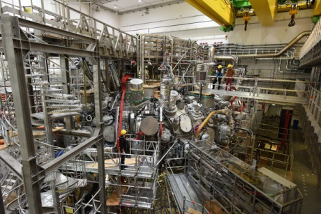 Německý fúzní reaktor vyrobil první plazma